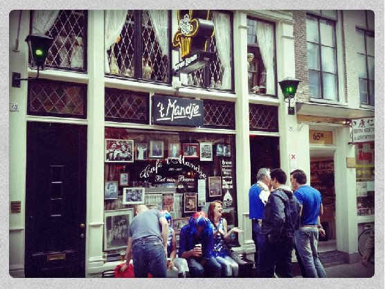 Cafe 't Mandje in Amsterdam's Red Light District