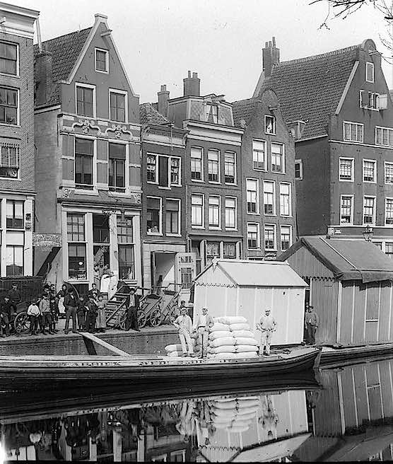 Amsterdam's Red Light District history - Now and then ...