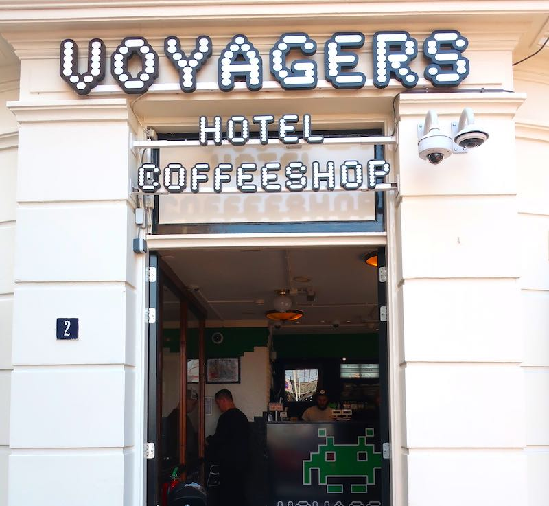 Coffeeshop Voyagers Amsterdam Entrance