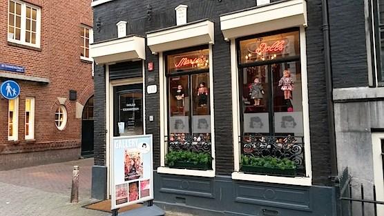 Maria's Dolls Museum in Amsterdam.