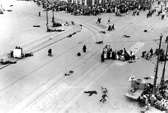Amsterdam, May 7th 1945. The shoot out on Dam Square.