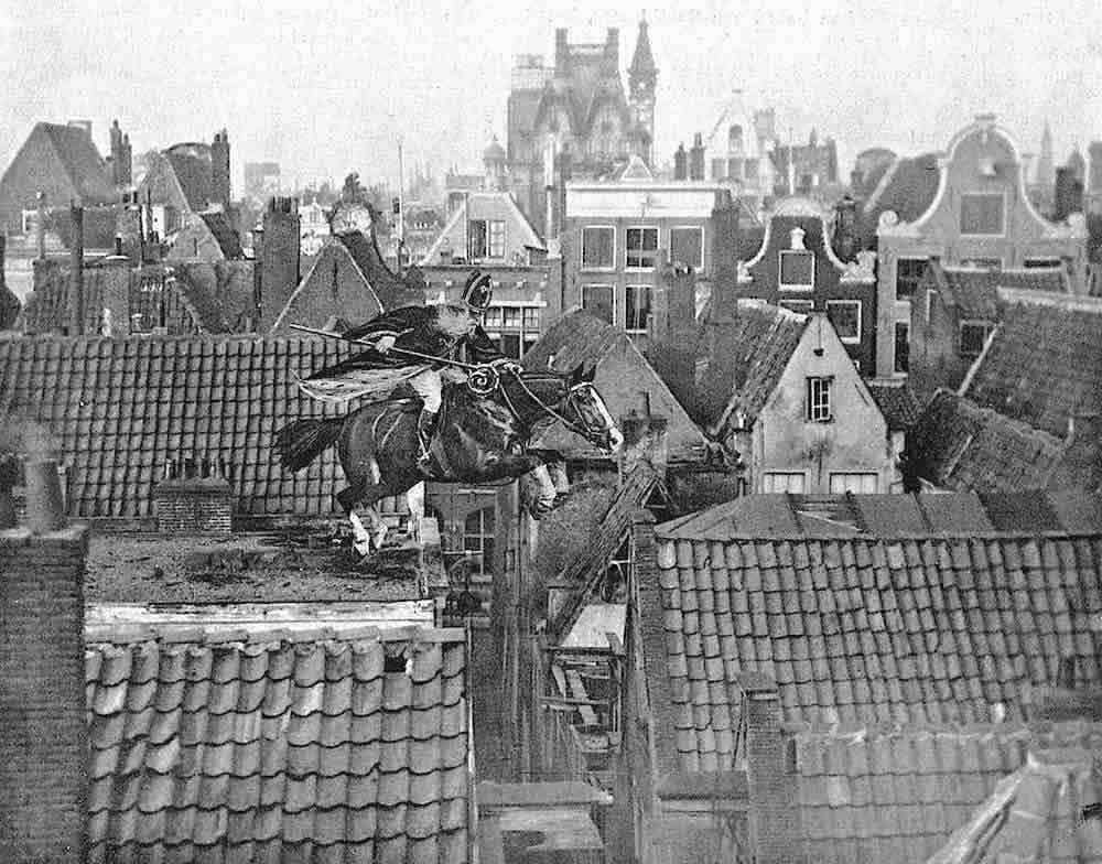 Amsterdam in 1916. Sinterklaas ( Saint Nicholas) jumps over houses