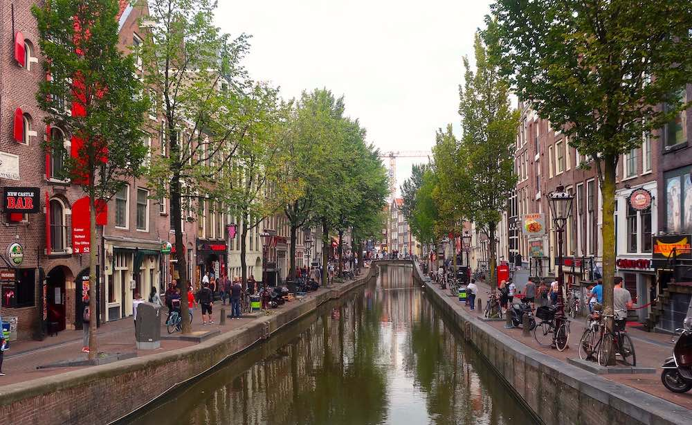 Cheap hotels near Amsterdam Red Light District